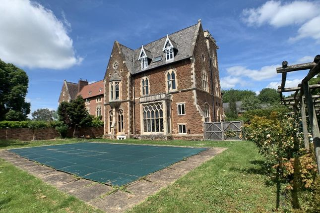 3 bed flat for sale in Tewkesbury Road, Newent GL18