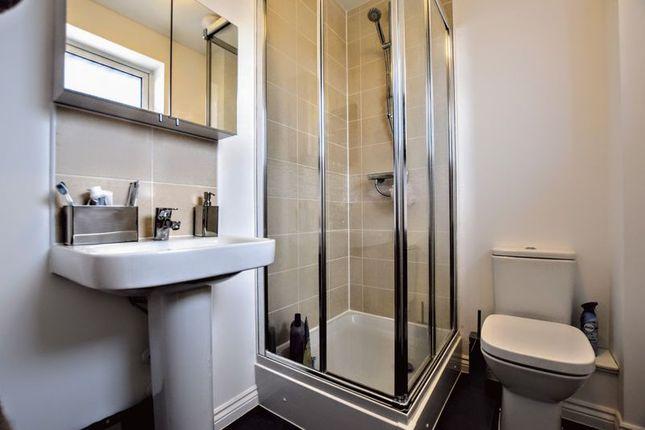 En-Suite of Longhorn Drive, Whitehouse, Milton Keynes MK8