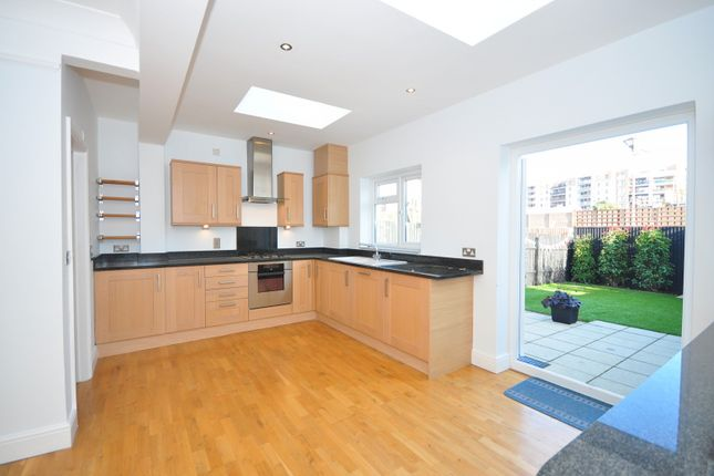 Thumbnail Property to rent in Greenend Road, London