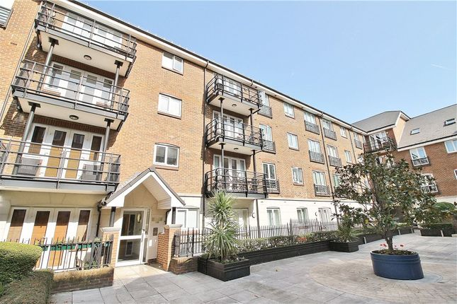 Thumbnail Flat for sale in Dorey House, Brentford
