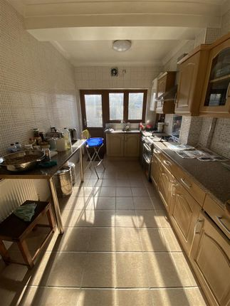 Kitchen of Vernon Road, Ilford IG3