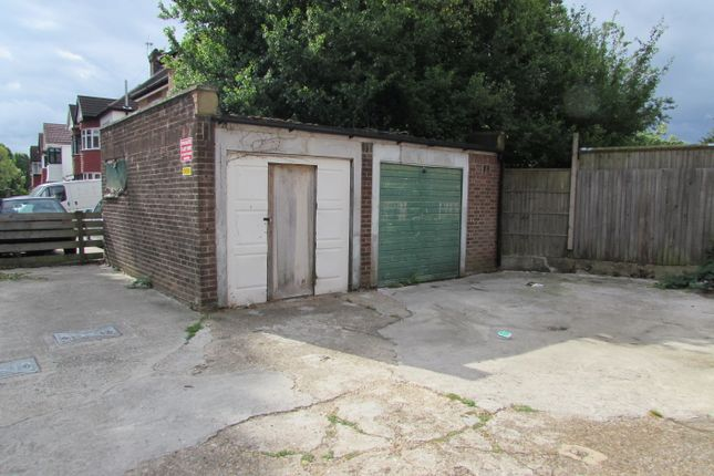 Parking/garage to let in Carlton Parade, Preston Road, Wembley, Middlesex