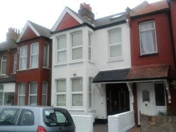 Thumbnail Room to rent in Fernlea Road, Mitcham