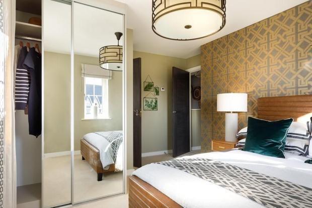 Bedroom 1 of London Road, Binfield RG12