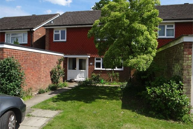 Thumbnail Detached house to rent in Lincoln Park, Amersham, Buckinghamshire