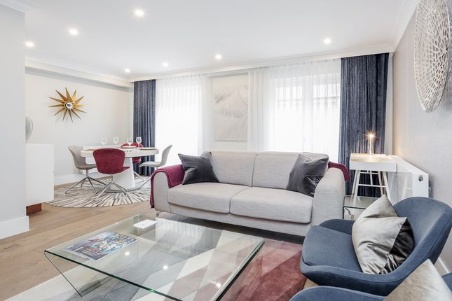 Thumbnail Town house to rent in Brook's Mews, London