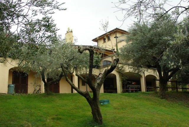 Hotel/guest house for sale in Large Country House, Pescara, Abruzzo