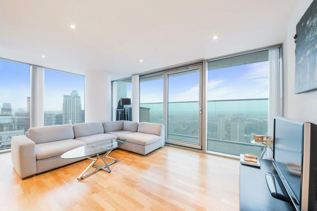 Thumbnail Flat to rent in Landmark East Tower, 24 Marsh Wall, Canary Wharf