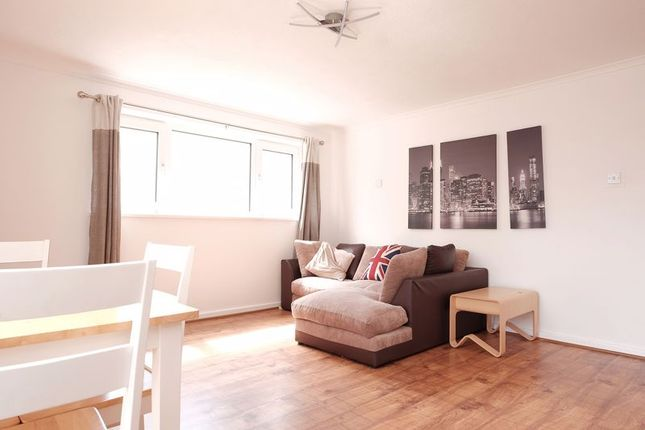 3 bed flat to rent in Fitch Drive, Brighton BN2