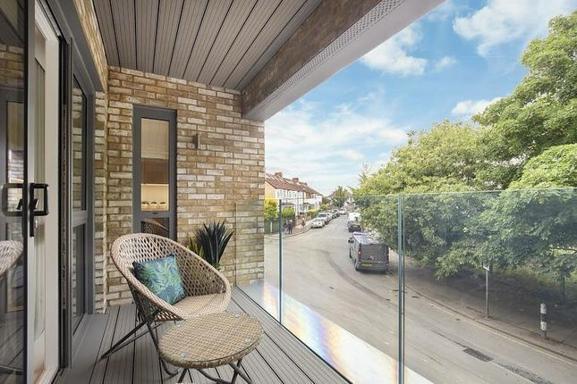 Thumbnail Flat for sale in Ravensbury Terrace, Earlsfield