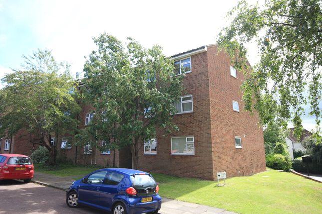 Thumbnail Flat to rent in Crabtree Lane, Harpenden