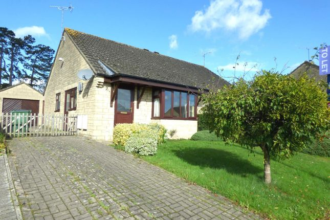 Thumbnail Bungalow to rent in Hanks Close, Malmesbury