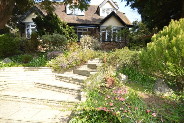 Thumbnail Detached house to rent in London Road North, Merstham, Redhill