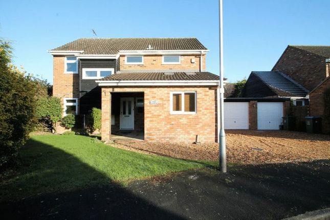 Thumbnail Detached house to rent in The Pastures, Edlesborough, Buckinghamshire