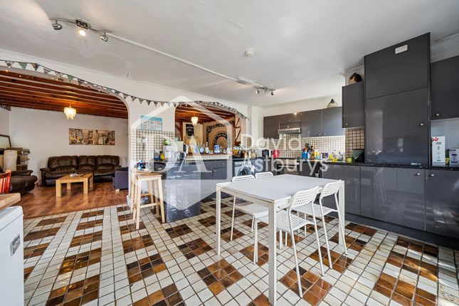 Thumbnail Terraced house to rent in Cobham Road, Wood Green, London