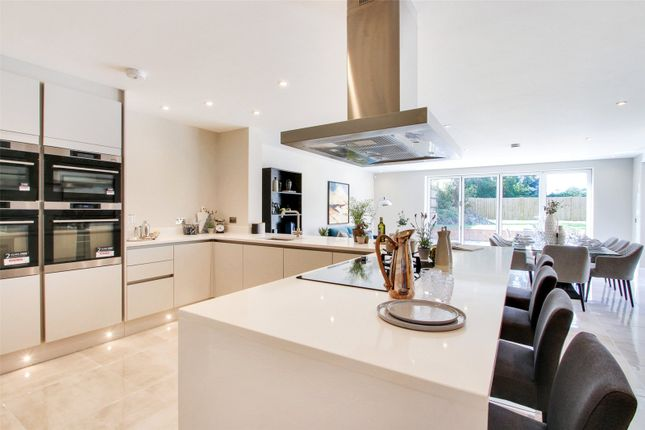 Thumbnail Mews house for sale in 1 Old Parsonage Mews, High Street, Farningham, Dartford