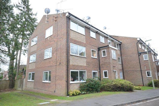 Thumbnail Flat to rent in Kings Road, Fleet