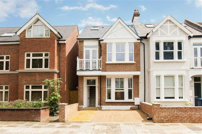 3 bed semi-detached house to rent in Cumberland Road, London