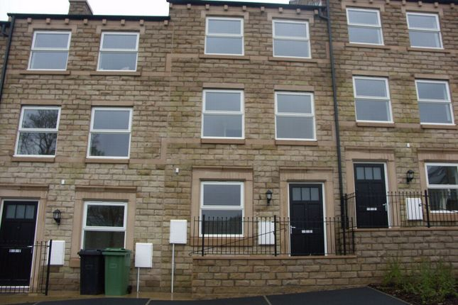 Thumbnail Terraced house to rent in Woodland View, Thongsbridge, Holmfirth