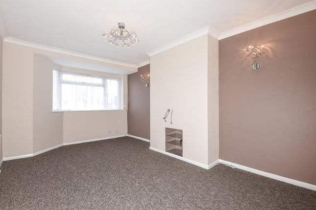 Thumbnail Maisonette to rent in Farnham Road, Slough