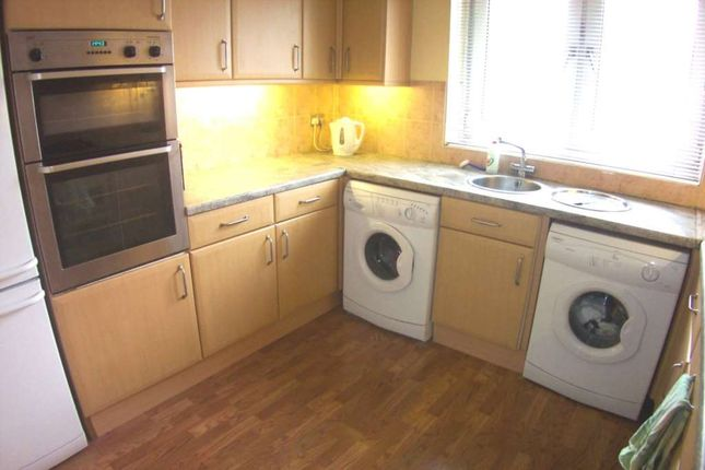 Thumbnail Flat to rent in Evelyn Street, Depford