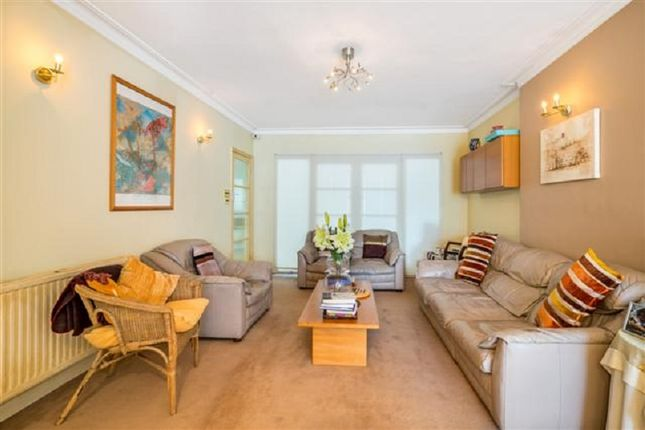 Lounge of Kings Drive, Edgware, Greater London. HA8