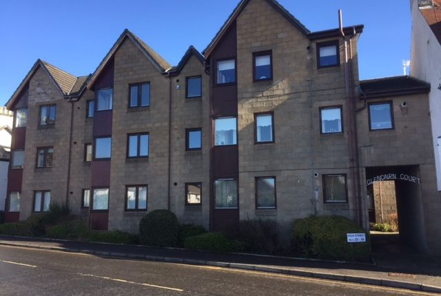 Thumbnail Flat for sale in High Street, Kilmacolm