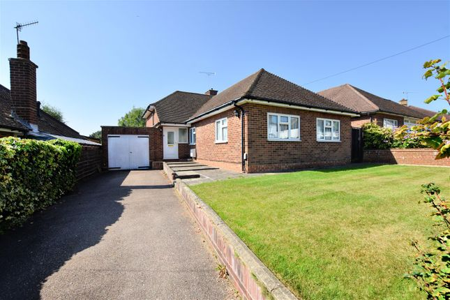 Thumbnail Bungalow for sale in Abbots Road, Abbots Langley