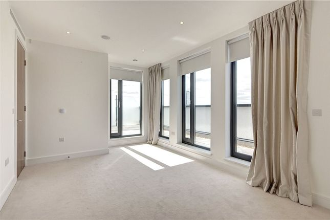 Thumbnail Property to rent in Waldorf Place, 3 Fairmont Mews, London