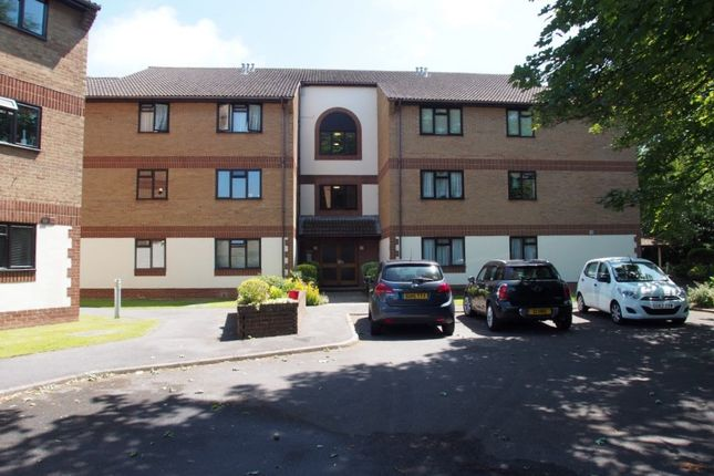 Thumbnail Flat to rent in St. Botolphs Road, Worthing