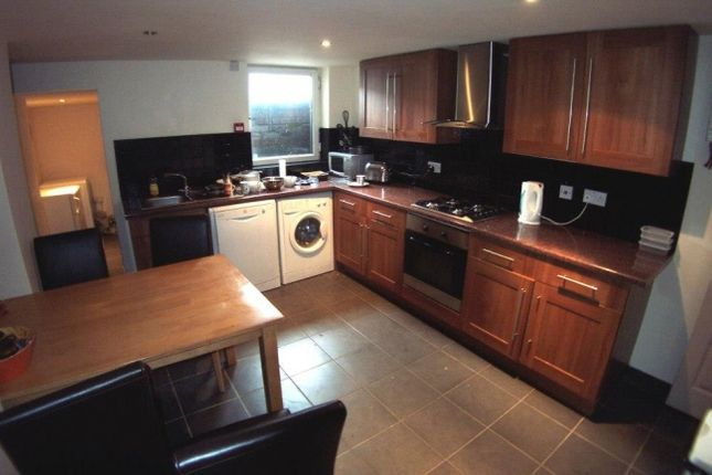 Thumbnail Terraced house to rent in Pearson Terrace, Hyde Park