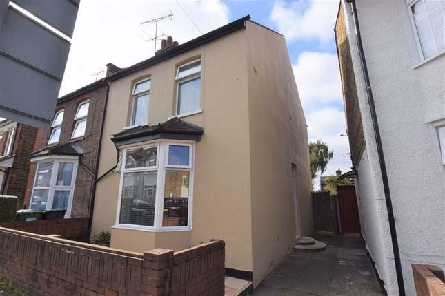 3 bed semi-detached house for sale in Harwoods Road, Watford WD18