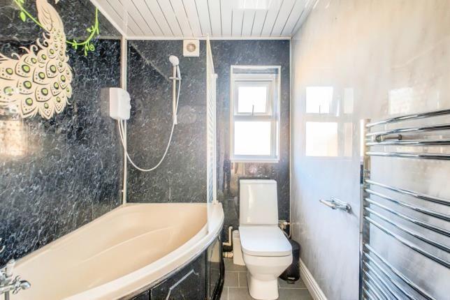 Bathroom of Littleworth Street, Evesham, Worcestershire WR11