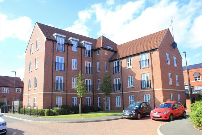 2 bed flat to rent in Vicarage Walk, Clowne, Chesterfield S43