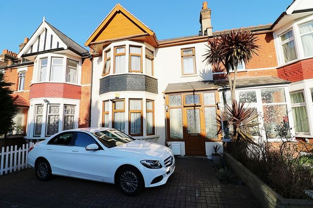 Thumbnail Property for sale in Arundel Gardens, Goodmayes, Ilford