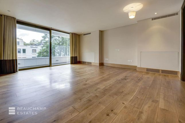 2 bed flat to rent in Embassy Court, St John's Wood NW8