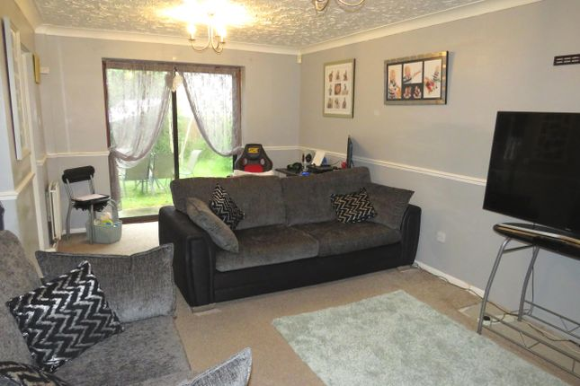 Thumbnail Detached house to rent in Hawthorn Drive, Sleaford