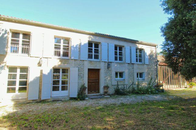 Thumbnail Villa for sale in L Houmeau, Charente-Maritime, Nouvelle-Aquitaine