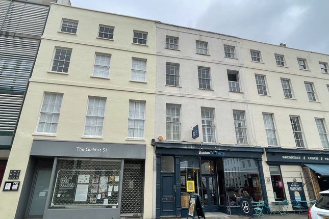 2 bed flat to rent in Clarence Street, Cheltenham GL50