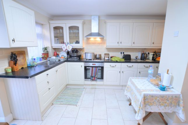 Thumbnail Semi-detached house to rent in Springfield Road, Langley, Slough, Berkshire