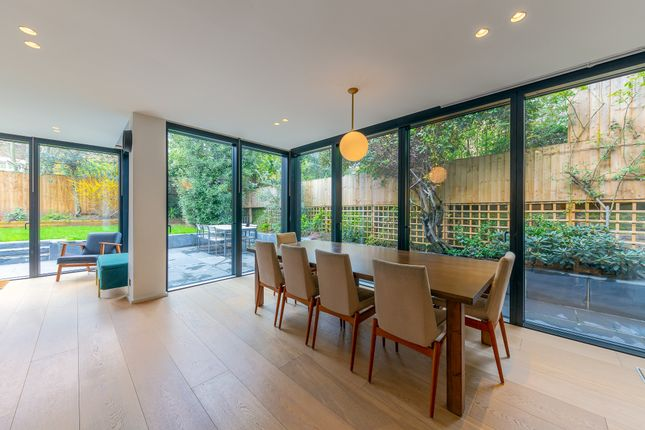 Thumbnail Terraced house to rent in Vale Road, London