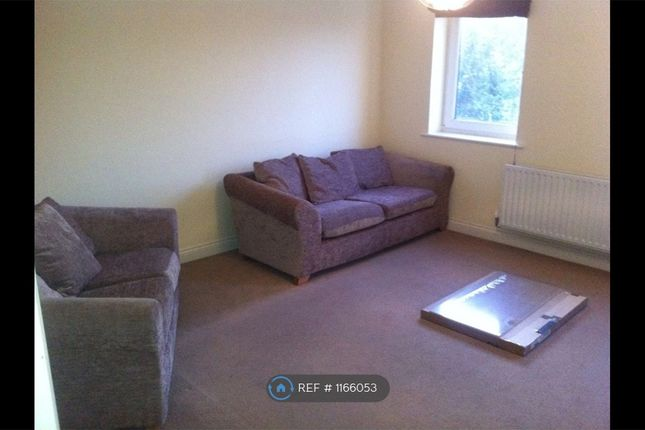 2 bed flat to rent in Park Gate, Southampton SO31