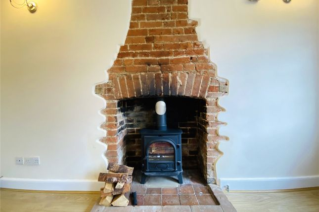 Picture No. 16 of Ramblers Cottage, Bucks Hill, Kings Langley, Hertfordshire WD4