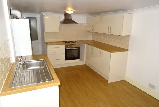 Thumbnail Flat to rent in Richard Street, Cilfynydd, Pontypridd