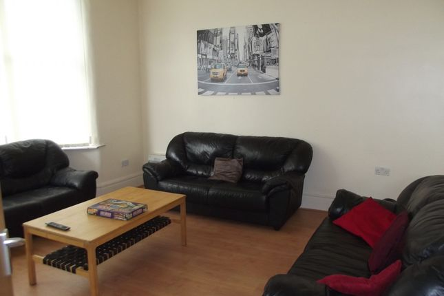 Thumbnail Shared accommodation to rent in Scarsdale Road, Manchester