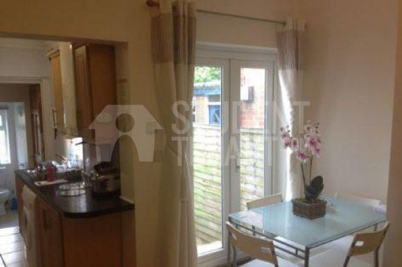 Thumbnail Shared accommodation to rent in Harborne Park Road, Birmingham