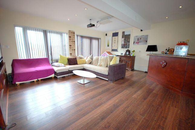 "Family Room of Greenoakhill Crescent, ""The Avenues"", Uddingston G71"