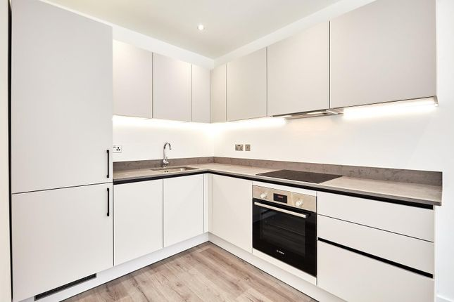 Kitchen (Main) of Queens Road, Reading RG1