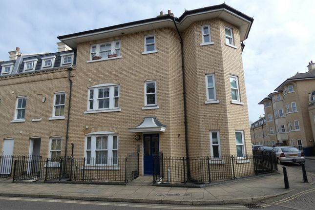 Thumbnail Flat to rent in St. Matthews Gardens, Cambridge