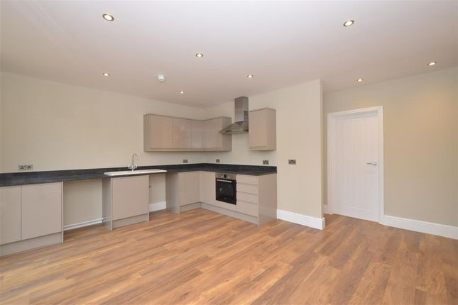 Thumbnail Flat for sale in Station Road, Midhurst, West Sussex